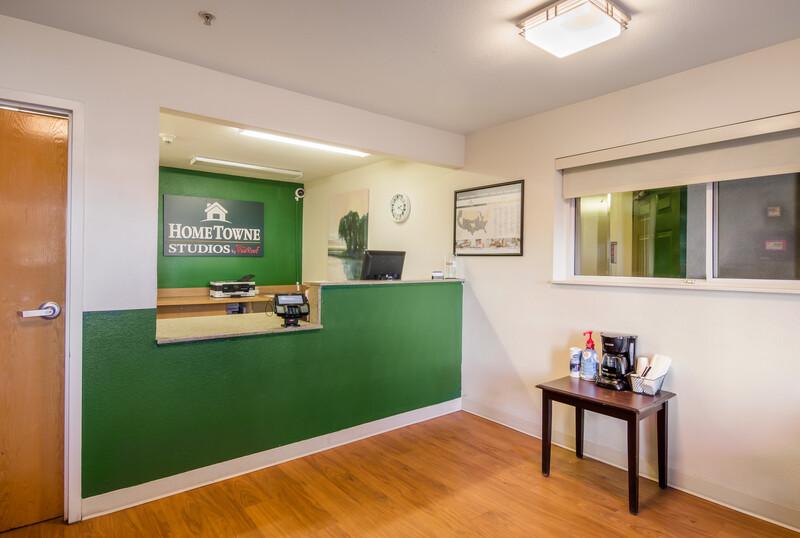 HomeTowne Studios Denver - Airport/Aurora Front Desk and Lobby