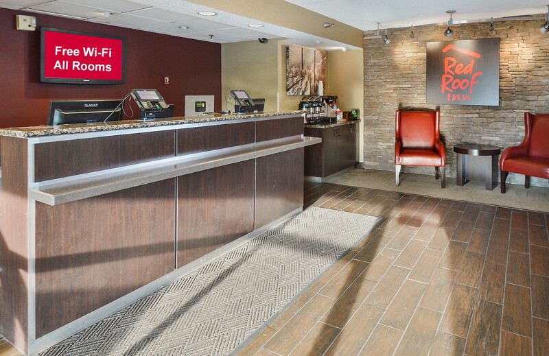 Red Roof Inn Lexington South Front Desk and Lobby Image