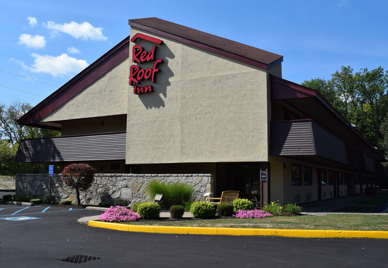 Red Roof Inn Utica Exterior Property Page Image Details