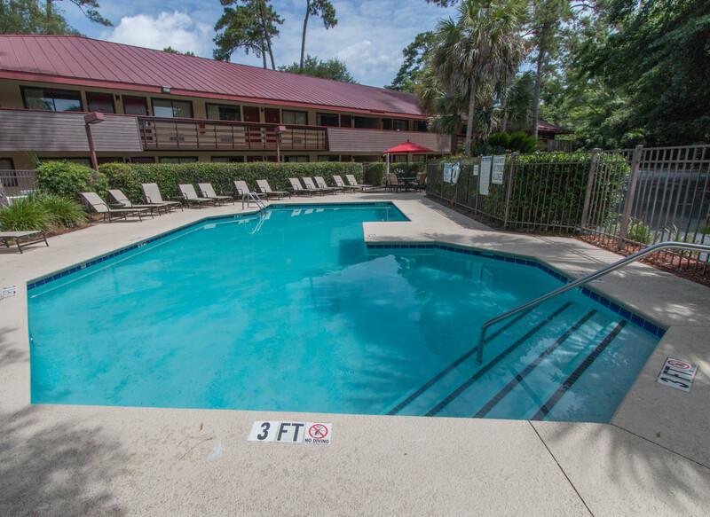 Red Roof Inn Hilton Head Island Outdoor Swimming Pool Image