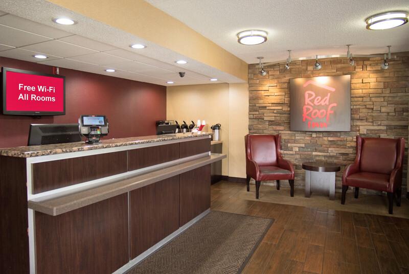 Red Roof Inn Kalamazoo West - Western Michigan U Front Desk and Lobby