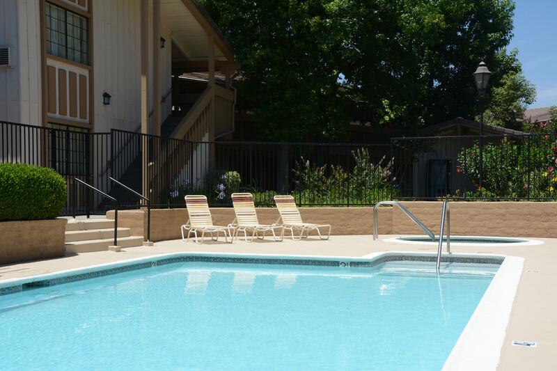 Red Roof Inn San Dimas - Fairplex Outdoor Swimming Pool