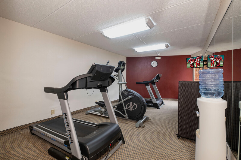 Red Roof Inn & Suites Macon Onsite Fitness Facility Image