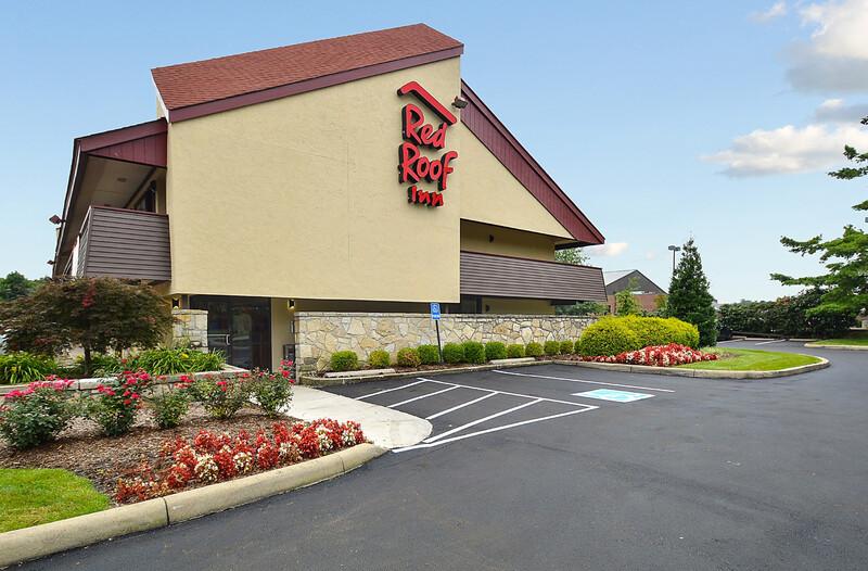 Red Roof Inn Louisville East - Hurstbourne Property Exterior Image