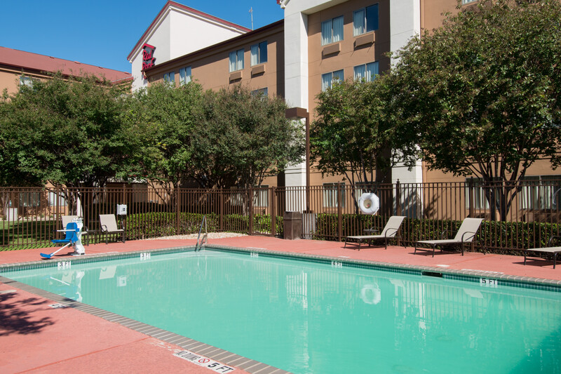 Red Roof PLUS+ Austin South Outdoor Swimming Pool