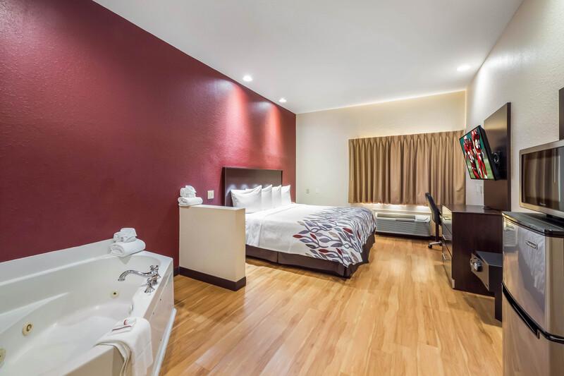 Red Roof Inn Ocala Single King Room Image