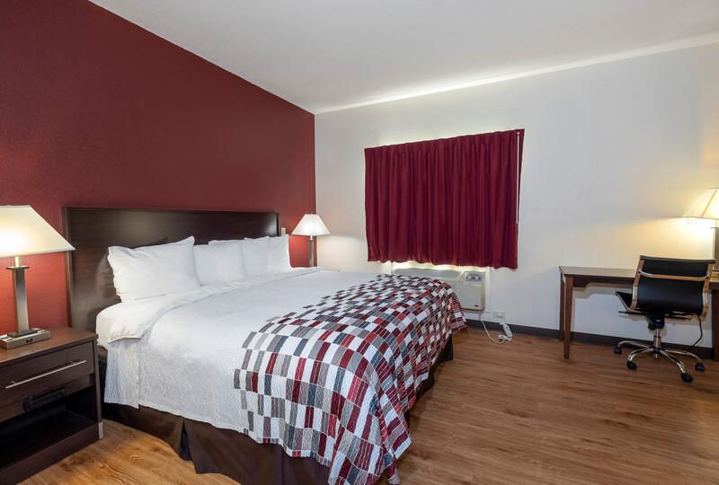 Red Roof Inn Hartselle King Bed Room Image Details