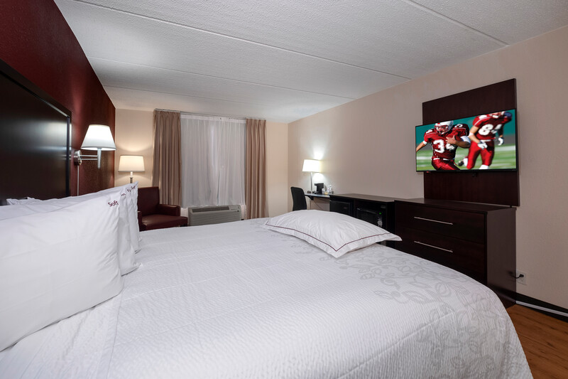 Red Roof PLUS+ & Suites Atlanta-Cumberland/Vinings Premium King