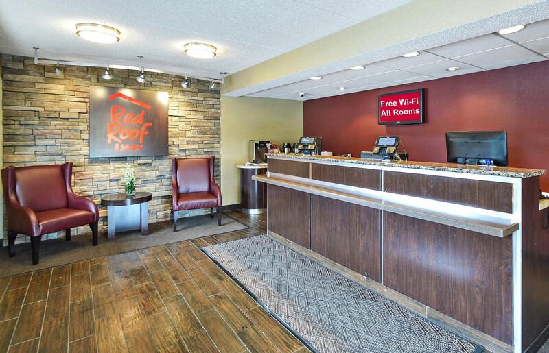 Red Roof Inn Louisville East - Hurstbourne Front Desk and Lobby Room
