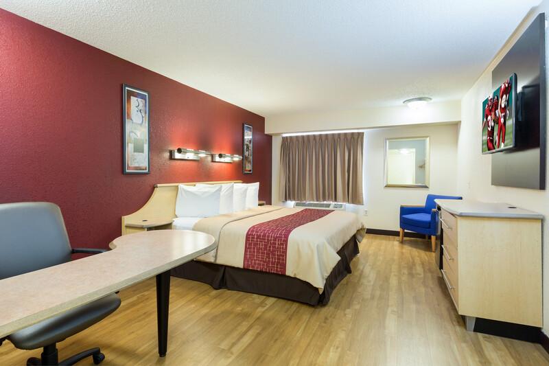Red Roof Inn Houston - Westchase Single King Room