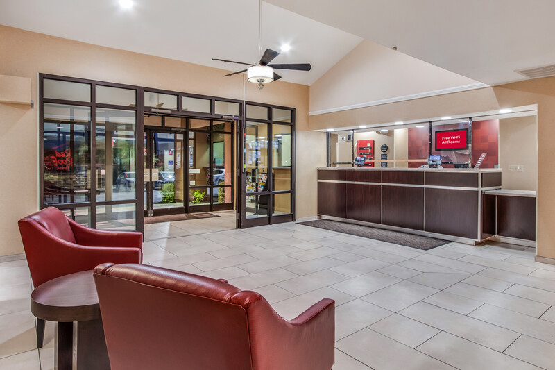 Red Roof Inn Phoenix North - Bell Road Front Desk and Lobby