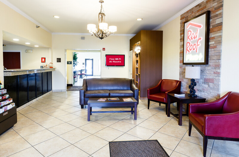 Red Roof PLUS+ Danville, KY Front Desk and Lobby Image