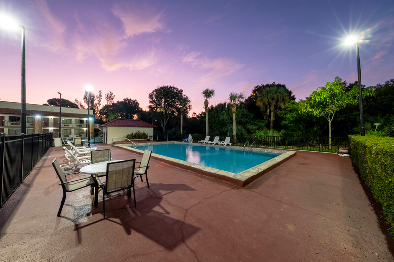 Red Roof Inn Ft Pierce Outdoor Swimming Pool Image