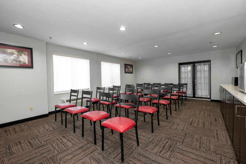 Red Roof PLUS+ Jacksonville - Southpoint Meeting Facilities