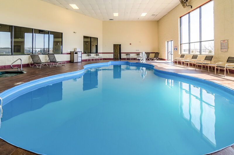 Red Roof Inn & Conference Center Wichita Airport Indoor Swimming Pool