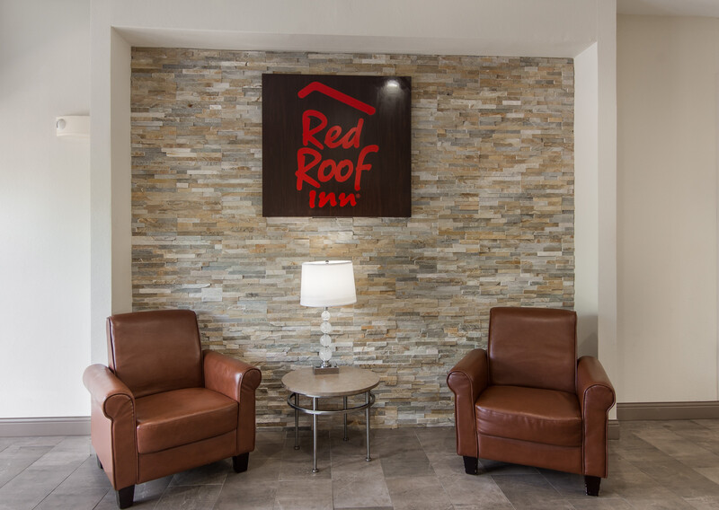 Red Roof Inn Panama City Front Lobby Sitting Area Image
