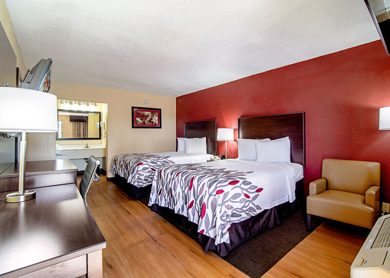 Red Roof Inn & Suites Greenwood, SC Deluxe Double Bed Room