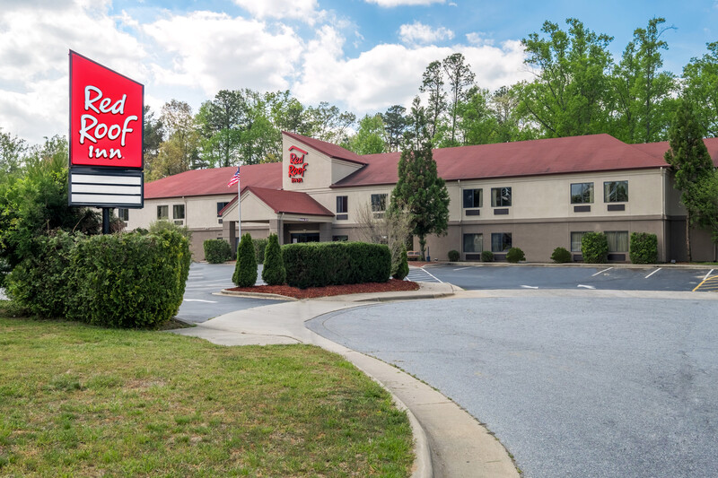 Red Roof Inn Hendersonville Exterior Property Image Details