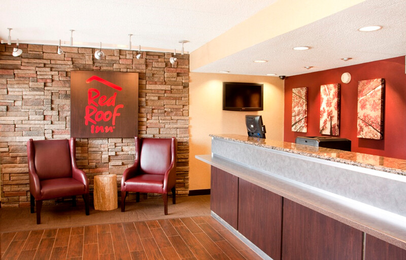 Red Roof Inn Aberdeen Front Desk and Lobby Image