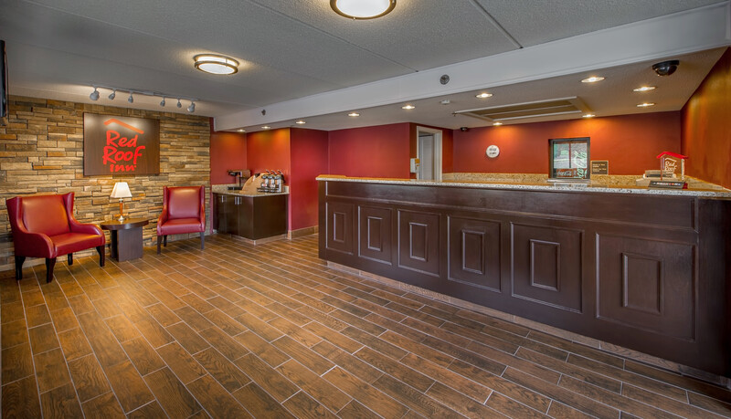 Red Roof Inn Atlanta - Kennesaw Front Desk and Lobby