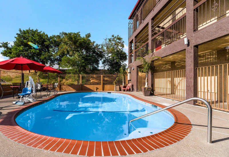 Red Roof Inn Stockton Outdoor Swimming Pool Image