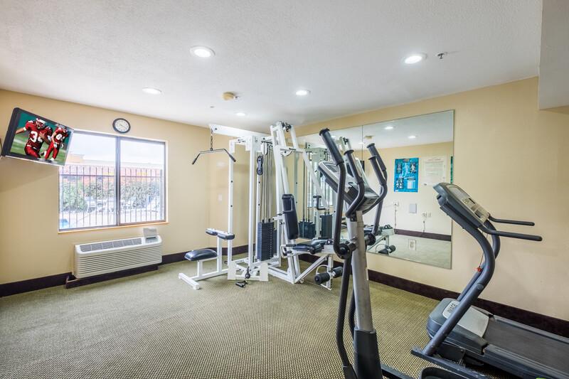Red Roof Inn Houston - IAH Airport/JFK BLVD Fitness Center Onsite Image
