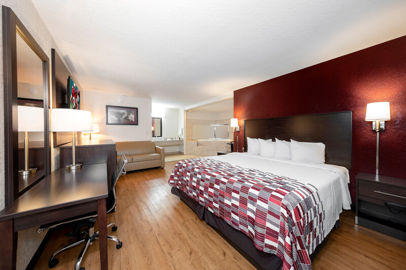 Red Roof Inn Ft Pierce Single King Room Image