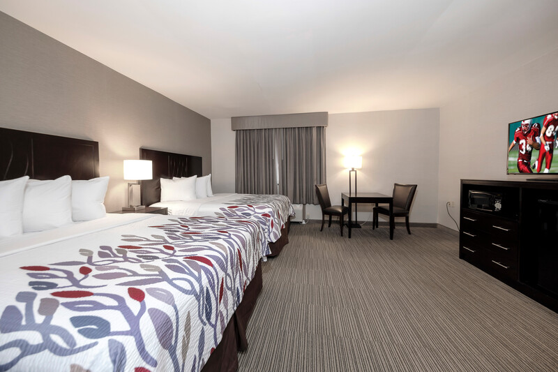 Red Roof Inn & Suites Newburgh – Stewart Airport Deluxe Double Room Image