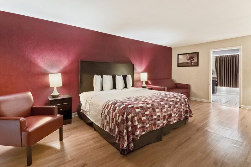 Red Roof Inn Waco Single King Room Image Details