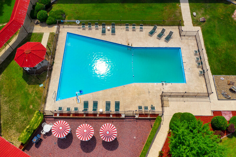 Red Roof Inn Hot Springs Outdoor Swimming Pool Image