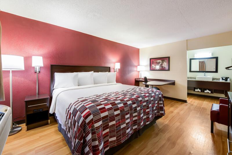 Red Roof Inn Marion Single King Room Image Details