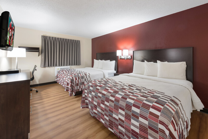 Red Roof Inn Findlay Deluxe Double Room Image