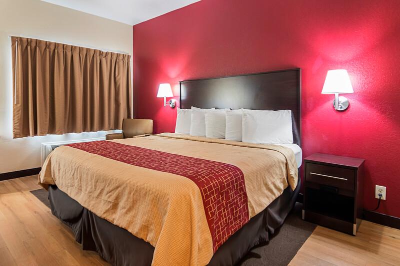 Red Roof Inn & Suites Lake Orion/Auburn Hills Single King