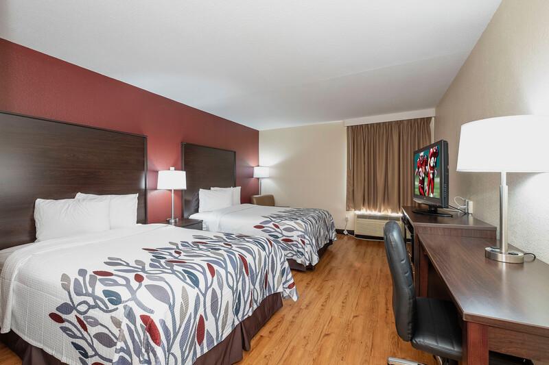 Red Roof Inn Roanoke Rapids Deluxe Double Room Image