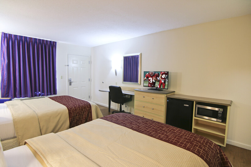 Red Roof Inn Somerset Deluxe Double Room Image Details
