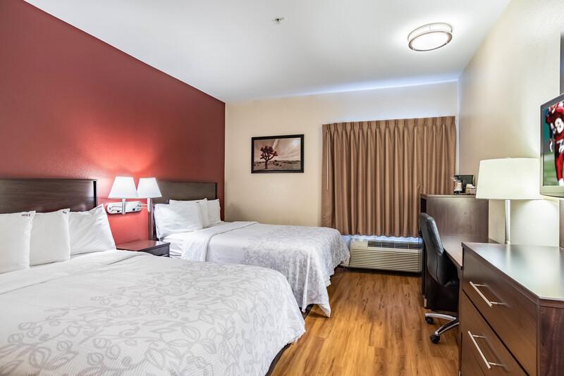 Red Roof PLUS+ Tempe - Phoenix Airport Deluxe Double Room