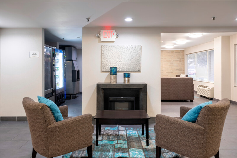 HomeTown Inn by Red Roof East Syracuse Front Desk and Lobby