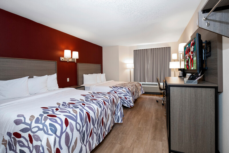 Red Roof Inn Clifton Park Double Bed Room Image Details