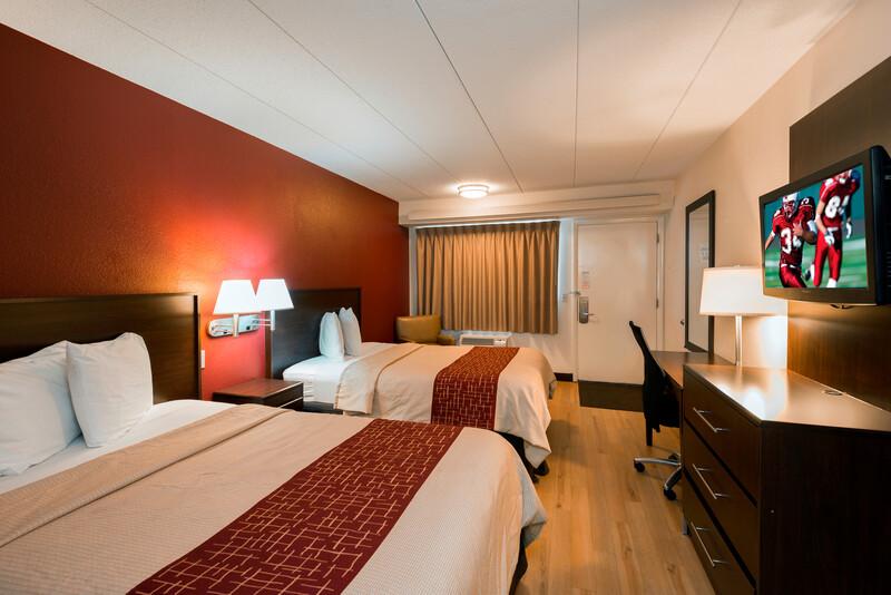 Red Roof Inn Benton Harbor - St Joseph Deluxe Double Room Image