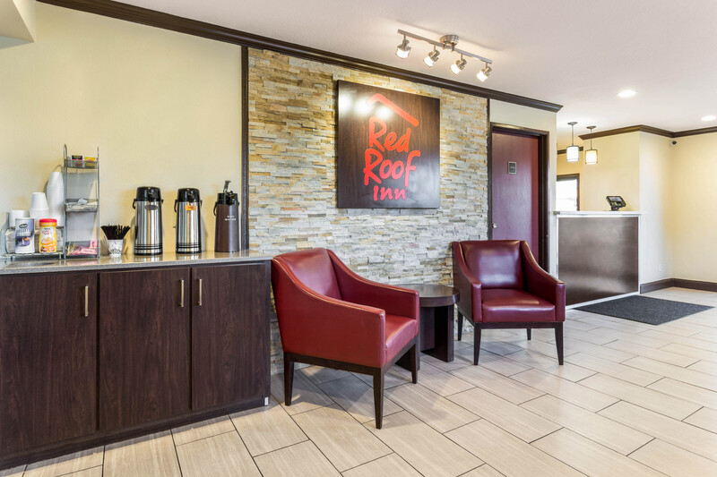 Red Roof Inn Dry Ridge Front Desk and Lobby Area