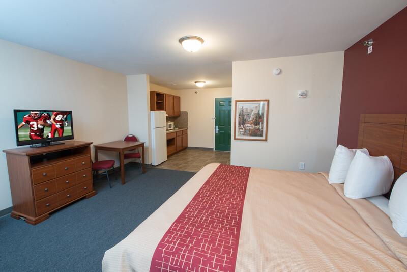 Red Roof Inn & Suites Dickinson King Suite Room Image Details