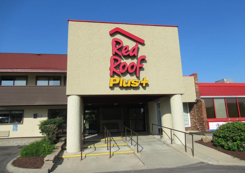Red Roof PLUS+ Ann Arbor - U of Michigan North Property Exterior