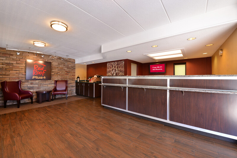 Red Roof PLUS+ Secaucus - Meadowlands - NYC Front Desk Image