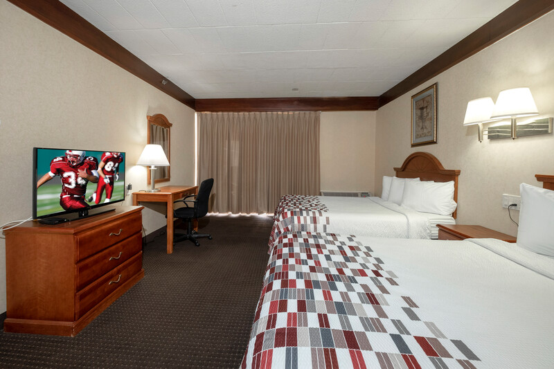 Red Roof Inn & Suites Newark - University Double Bed Room Image