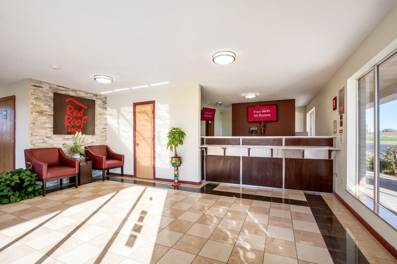 Red Roof Inn Vincennes Lobby Property Image Details