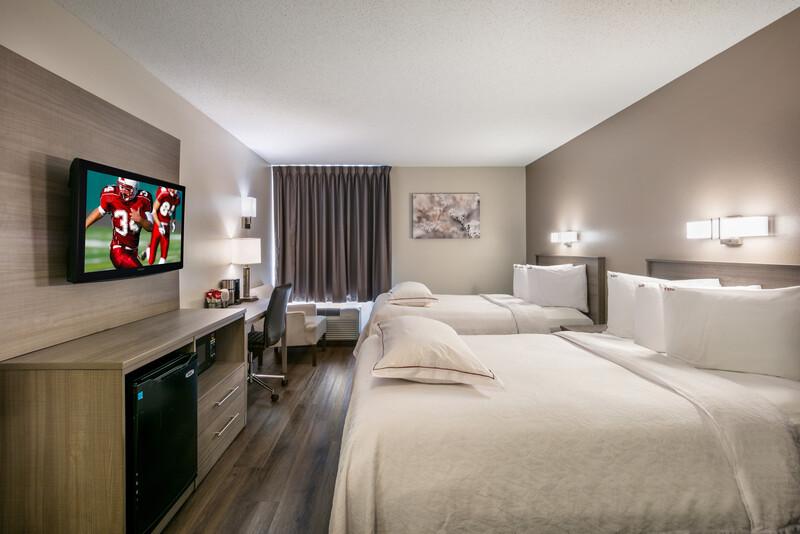 Red Roof PLUS+ Boston - Logan Premium Double Bed Room