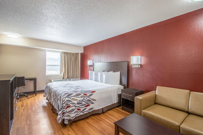 Red Roof Inn El Paso West Single King Room Image Details