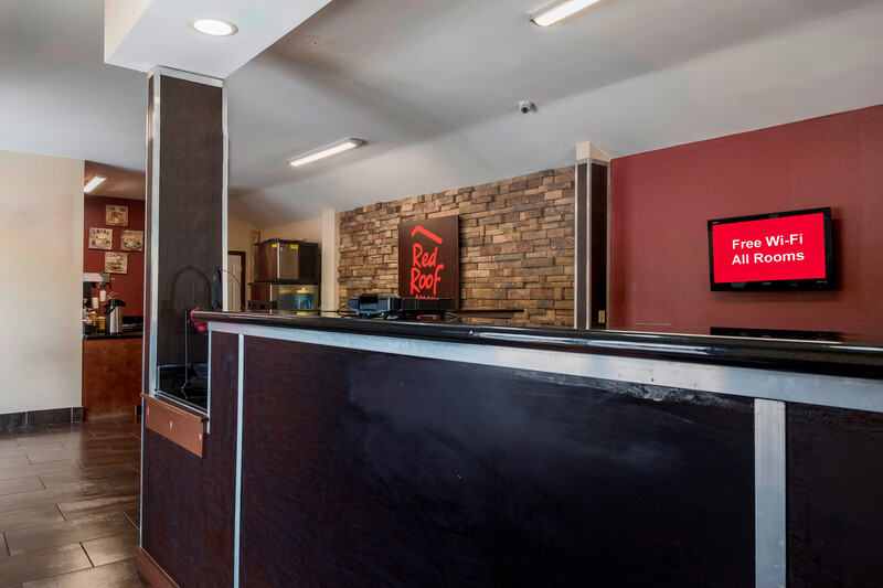 Red Roof Inn Neptune Deluxe Front Desk and Lobby Image
