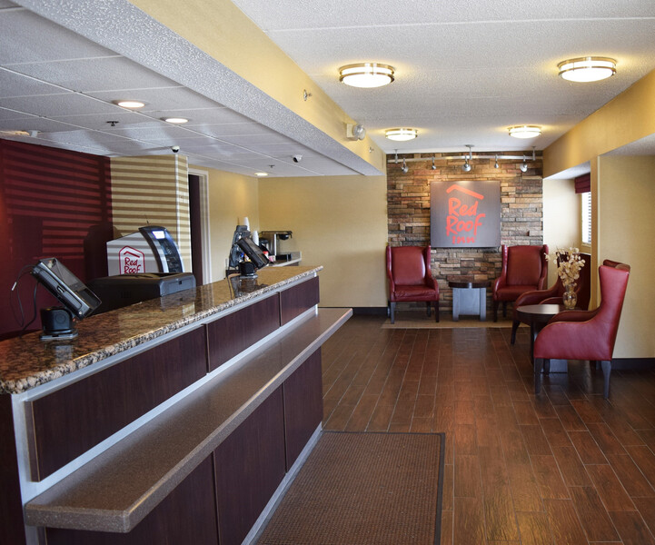 Red Roof Inn Syracuse Front Desk and Lobby Image Details