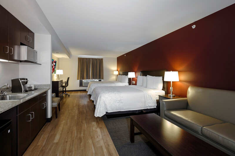 Red Roof PLUS+ & Suites Malone Double Bed Room Suite Image